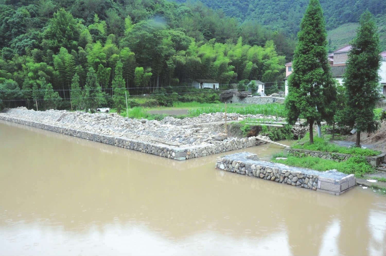 溪范仲淹_可以考证出,居于此地和居于三港乡隔溪的范姓村民是大名鼎鼎的范仲淹
